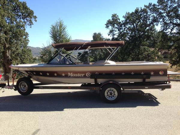 1982 Mastercraft 19 Stars  Bars Collectors Competition Tow Boat - $7000 (Tehachapi)
