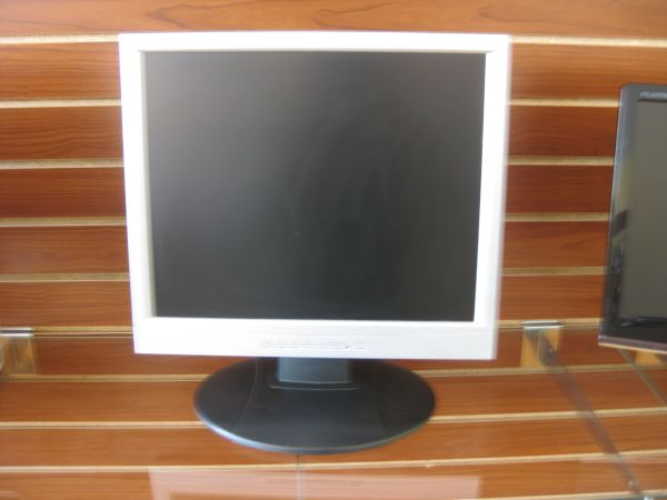 Envision en7410 monitor  - $80 (2305 Chester Ave. Bakersfield Ca 93301)