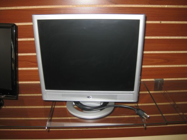 HP hp vs17e monitor - $60 (2305 Chester Ave. Bakersfield Ca 93301)