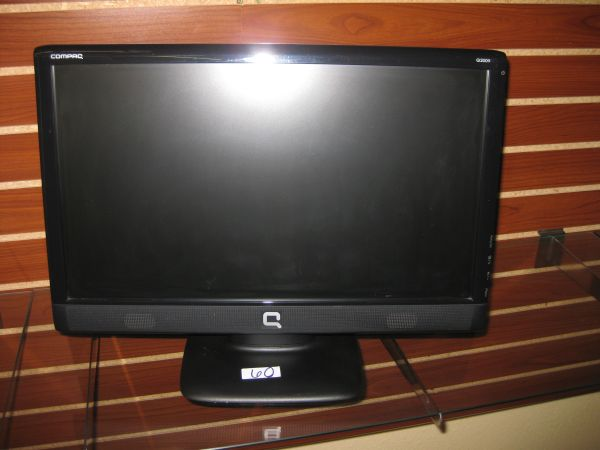 Compaq Q2009  - $60 (2305 Chester ave Bakersfield Ca 93301)