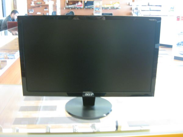Acer P206HL  - $100 (2305 Chester Ave. Bakersfield Ca 93301)