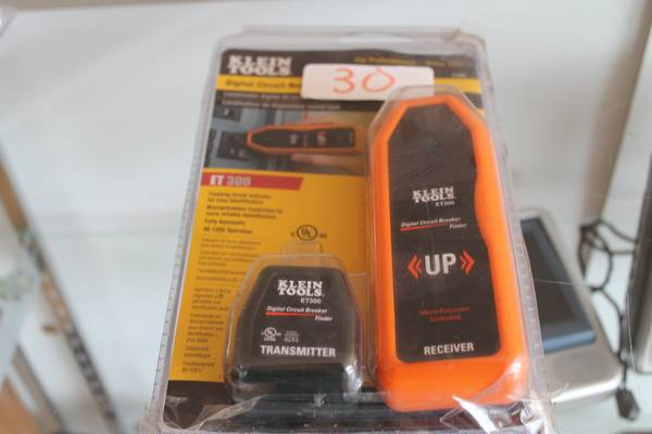 Klein tools Digi current breaker finder - $40 (2305 Chester Ave. Bakersfield Ca 93301)