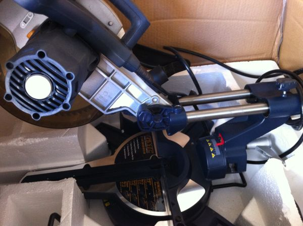 15AMP 10 GMC Slide Compound Miter Saw - $135 (Bakersfield - Pick up only)