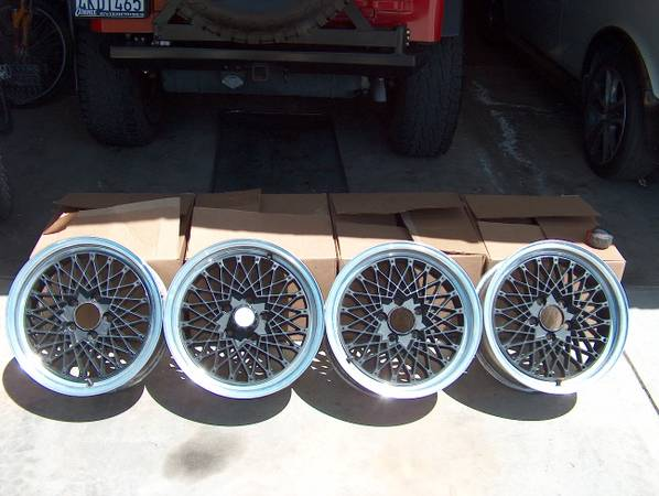 Saleen Fox body style wheels - Great Condition - $400 (Bakersfield)