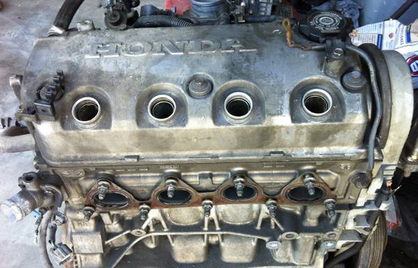 97 CIVIC ENGINE EXHAUST MANIFOLD - $250 (BAKERSFIELD)