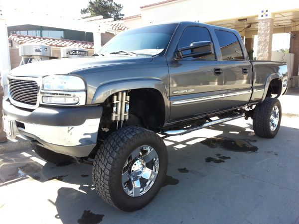01 gmc 2500 hd  4x4  lifted - $15700 (( arroyo grande))