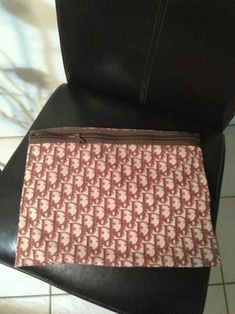 Vintage Dior Clutch Authentic - $20 (SW Bakersfield)