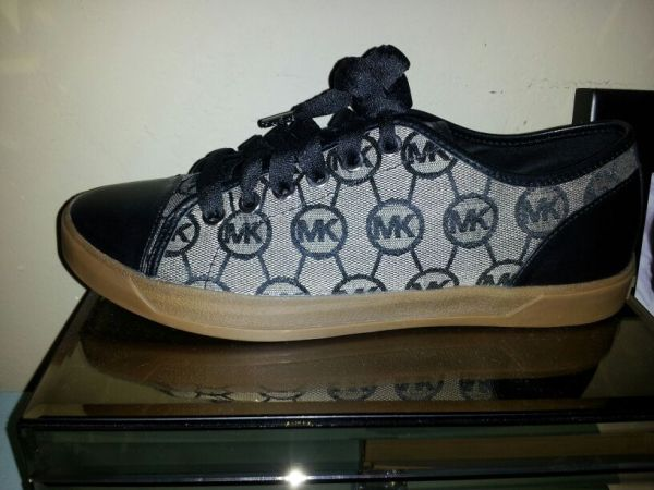 NEW Michael Kors Shoes  7.5 - $85 (Bakersfield College)