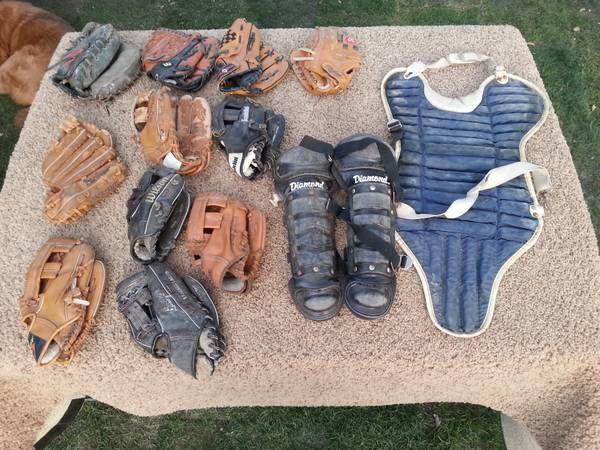 Kids  Baseball Gloves  Catchers Gear (SW)