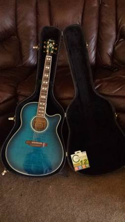Ibanez AEF30 electricacoustic guitar - $325 (Earlimart)