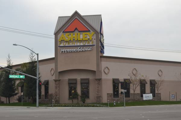 FURNITURE TECHNICIAN at Ashley Furniture Homestore (Bakersfield,CA)