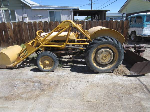 Tractor ford 9N Ford f.loader  box scraper new battery nice, older - $3000 (yerington , nv)
