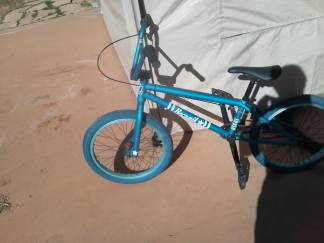 BMX Bike almost new - $250 (Cottonwood )