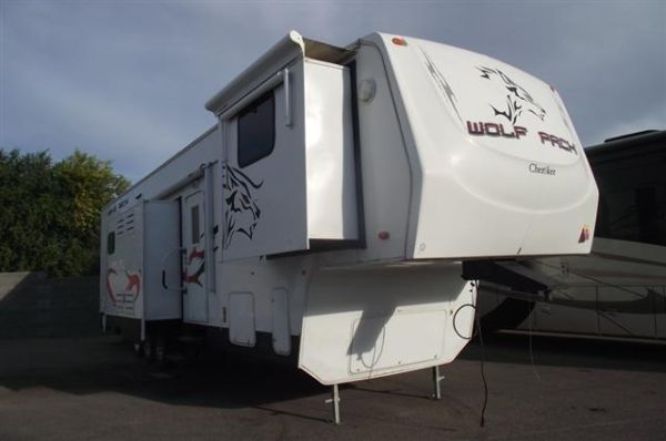 2008 Forest River Wolf Pack 396WP  - $38500 (QC )
