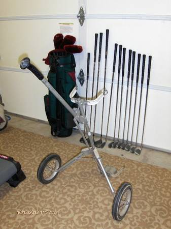 Golf Club Sets, Mens  Ladies Magique with carts each set $100   - $100 (C Verde)
