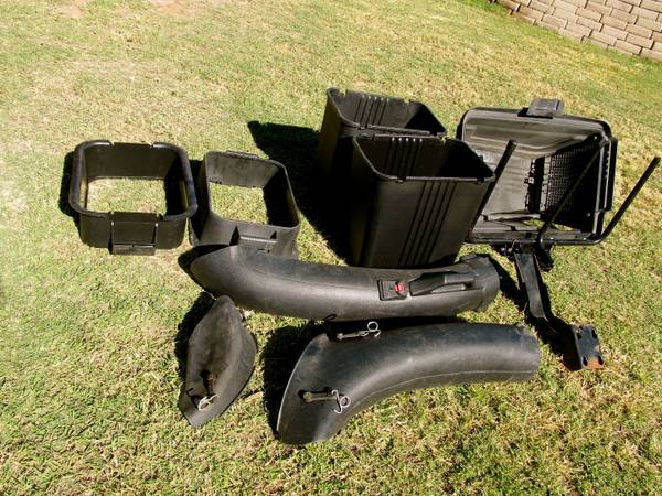 2 BIN GRASS CATCHER BAGGER - $200 (CAMP VERDE)