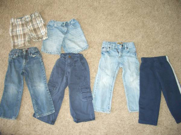 HUGE Lot of Boys Clothes - $40 (Flagstaff)