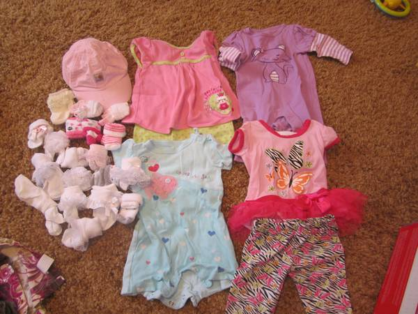 Lot of 3-6 month baby girl clothes - $20 (Flagstaff)
