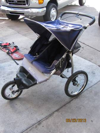 INSTEP 5K DOUBLE JOGGING STROLLER - $75 (east flagstaffcontinental country club)