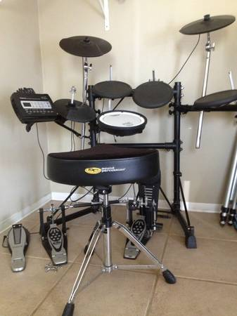 Roland Td-3 Electronic Drum Set, Thrown, Double Bass pedal. - $580 (Flagstaff)