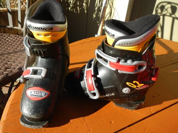 Ski boots, keens, marker helmet, child carriers - $1 (Nevada City)