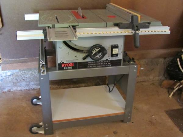 Ryobi BT3000 10 Table Saw - $250 (Grass Valley)