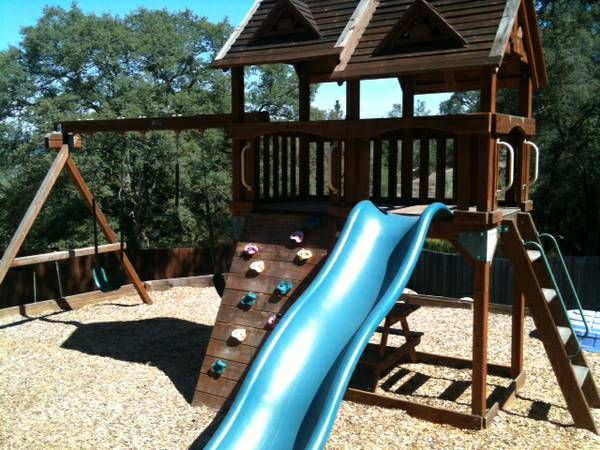 Cedar Ridge Costco Play Structure Swing Set - $500 (Auburn)