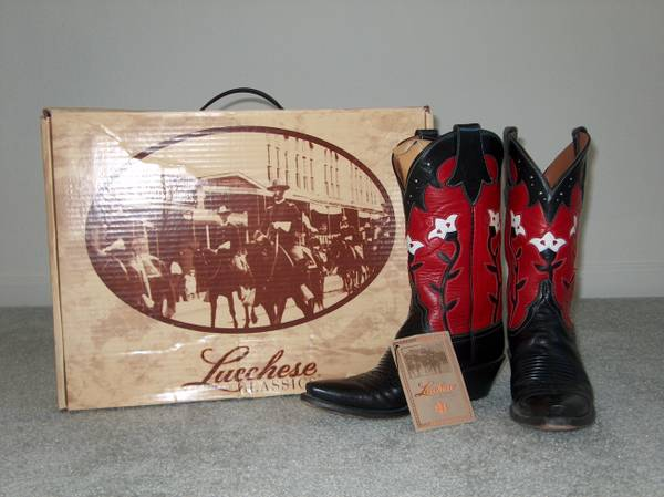Lucchese Ladies Cowboy Boots Size 6 - $100 (Twain Harte)