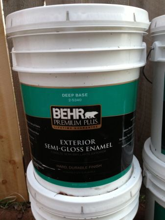 5 Gallon Buckets - Behr Premium Plus Ext Semi Gloss Paint - Dark Gray - $35 (Grass Valley)