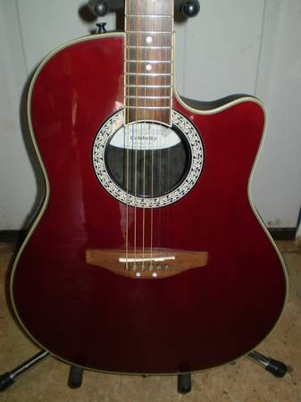 Ovation Celebrity CC057 Acoustic  Electric Guitar Includes Case Good  - $165 (Sonora)
