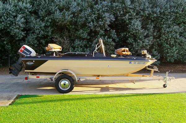 1976 Glastron Fish  Ski 176 115HP - $2000 (Clovis, CA)