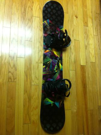Snowboard Triple Nickel Womens 148cm - $150 (Hanford )