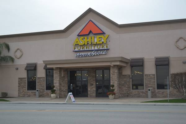 Visual Merchandise (Ashley Furniture HomeStore Bakersfield  )