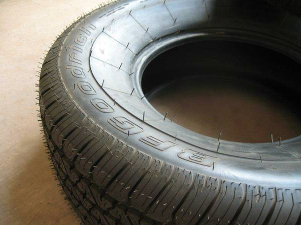 Two New BFG Silvertown 28570R15 Radials - $200 (Indio)