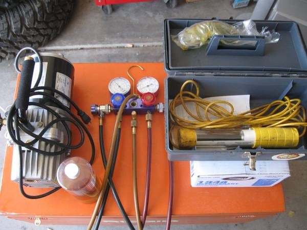 Automobile AC tool package. Matco Gauges, Mastercool Vacuum Pump etc. - $375 (SaharaNellis)