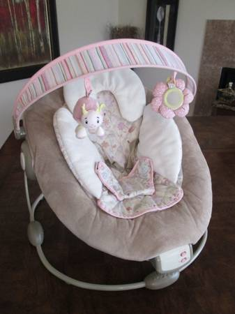 Boppy Cradle in Comfort Bouncer - $20 (NW Jones  215)