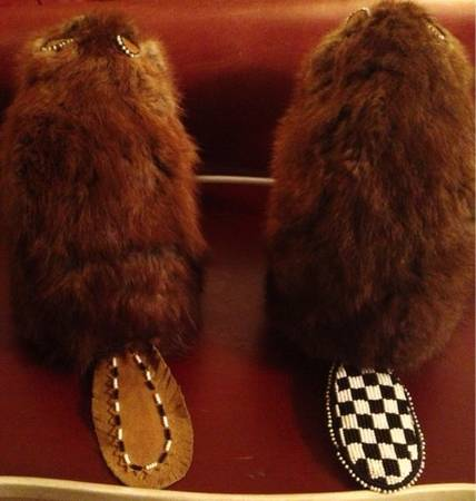 PAIR  SET of 2 UNIQUE RARE Indian Beaded Taxidermy Beavers - $60 (Silverado Ranch 89123)