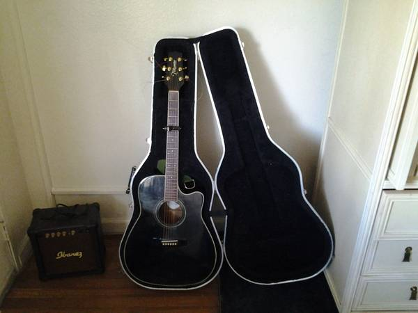 Takamine AcousticElectric with Amp - $160 (FlamingoMaryland)