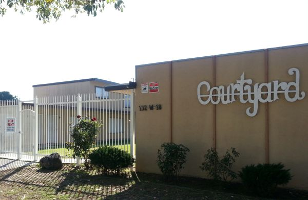 $675  2br - MERCED APARTMENTS- LOVELY 2 BEDROOM UNIT HERE AT THE COURTYARD (132 W. 18TH ST.)