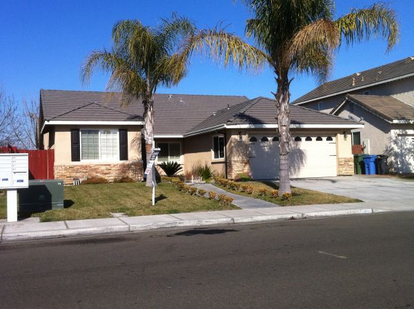 $250 2 Rooms Available - Clean, Safe, Affordable (Turlock)