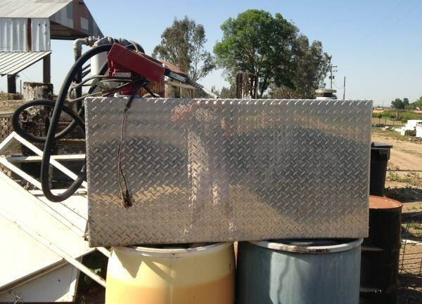 100 gallon fuel tank with pump - $400 (Merced)