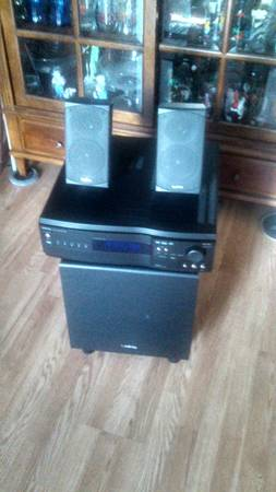 CD-DVDINFINITY DR-C500 AND HTS 20 SUB AND SPEAKERS - $75 (Los Banos)