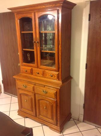 Cal shops vintage wood china hutch - $200 (Modesto)