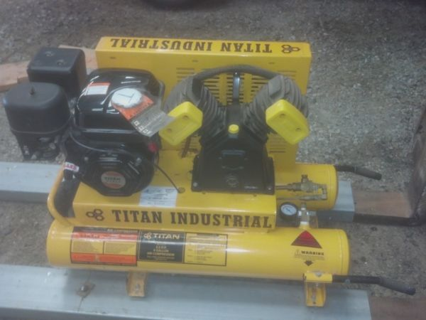 NEW Titan Industrial air compressor - $800 (oakdale)