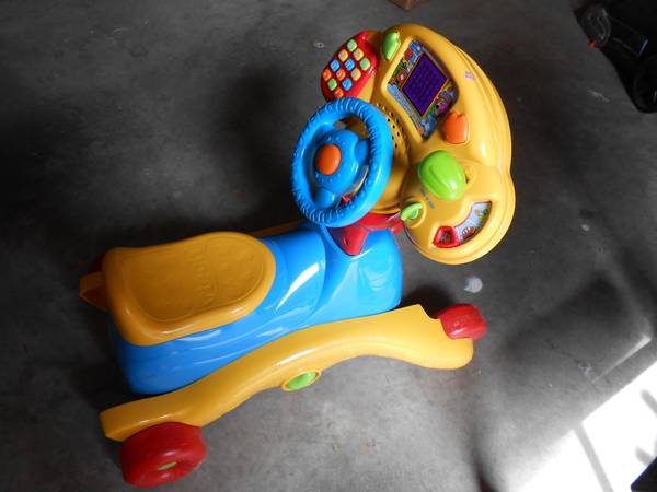 Vtech Bilingual 3-In-1 Smart Wheels - $15 (Patterson)