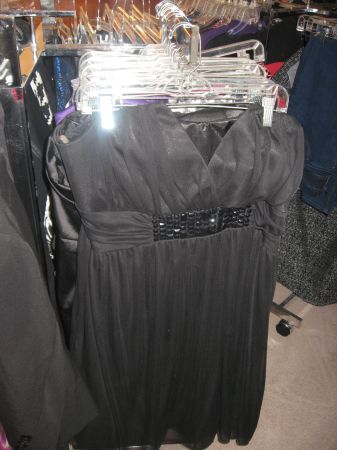 Trendy Plus Size clothes, Forever 21, Torrid and more - $1 (Turlock)