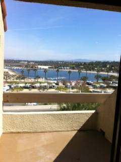 - $2430  1br - 750ftsup2 - Newport Beach- Views-Amazing Price-AC- Pets OK (Newport Beach)