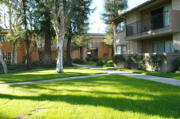 - $1575  2br - 881ftsup2 - The Best of Orange (Strada-Orange-Tustin-Santa Ana)