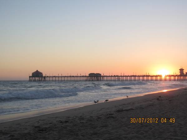 - $1395  1175ftsup2 - SHARE Nice OCEANFRONT Condo,2br 2.5ba,pool,spa,NS,CABLE,NO Pet,Refs   (Pacific Coast Highway, Huntington Beach)