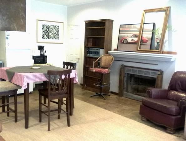 $1565  1br - 725ftsup2 - Furnished Guest Unit, incl Utility, Wi Fi. Month to Month, Min 2 month (Costa Mesa Near NewportHuntington Beach, OC)